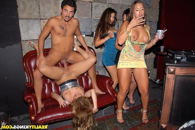 порно фото жесткий групповой анальный